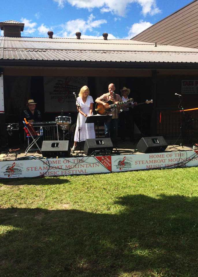 Steamboat Music Festival : Waltzing Matildas